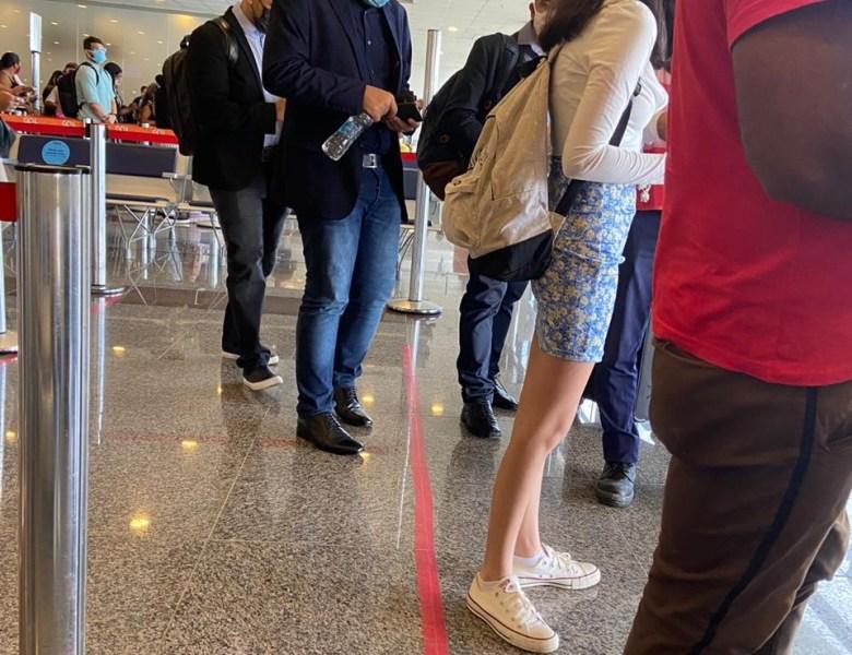 Covardia: Gladson viaja para Brasília e deixa prefeita para ir na balsa sozinha