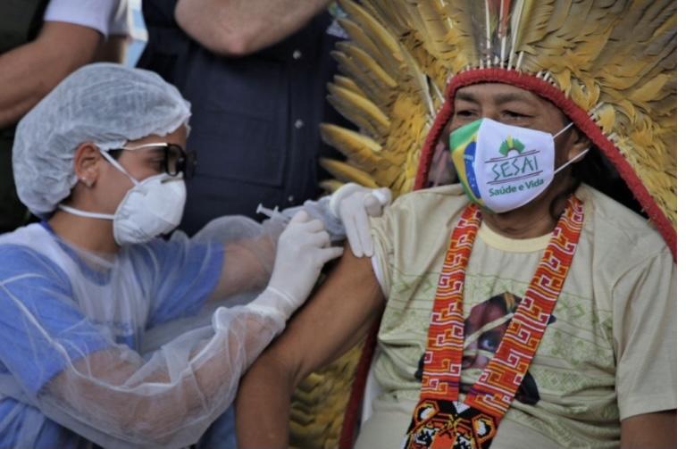 Butantan e Sesai negam que morte de cacique acreano tenha relação com CoronaVac