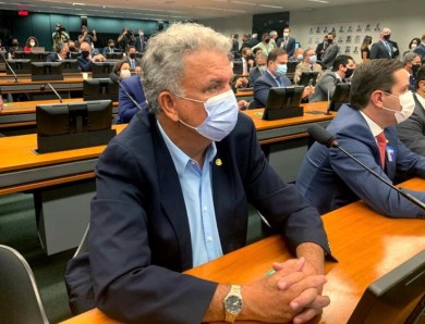 """Sérgio Petecão fala sobre suposta """"sala de morte"""" em hospital acreano"""