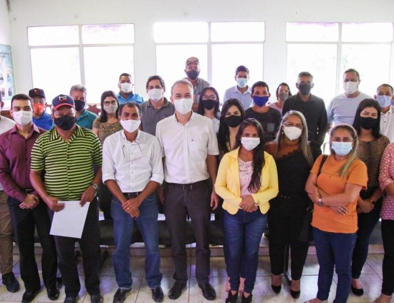 Leo de Brito anuncia recursos para pavimentação de ruas e saúde em Porto Acre