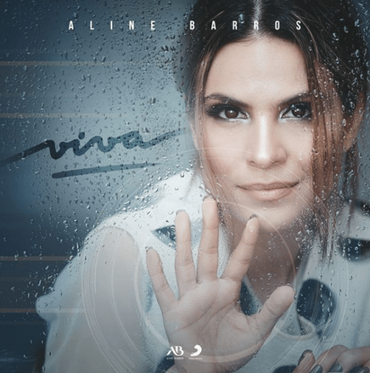 "Capa do CD gospel ""Viva"" de Aline Barros."