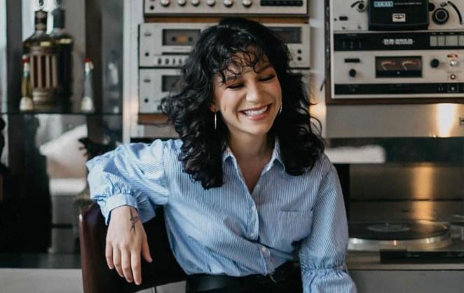 Priscilla Alcantara não quer ser vista como cantora gospel.