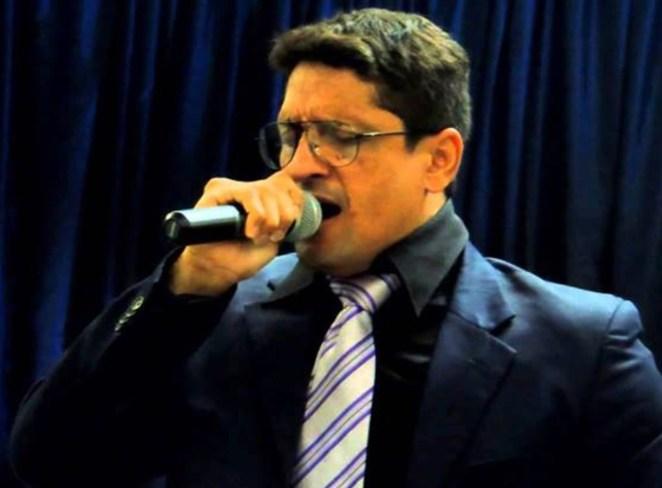 Ex-Calcinha Preta, Berg Lima anunciou que estava deixando o gospel para voltar ao mercado da música secular.