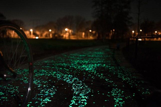 pista ciclabile fosforescente Olanda