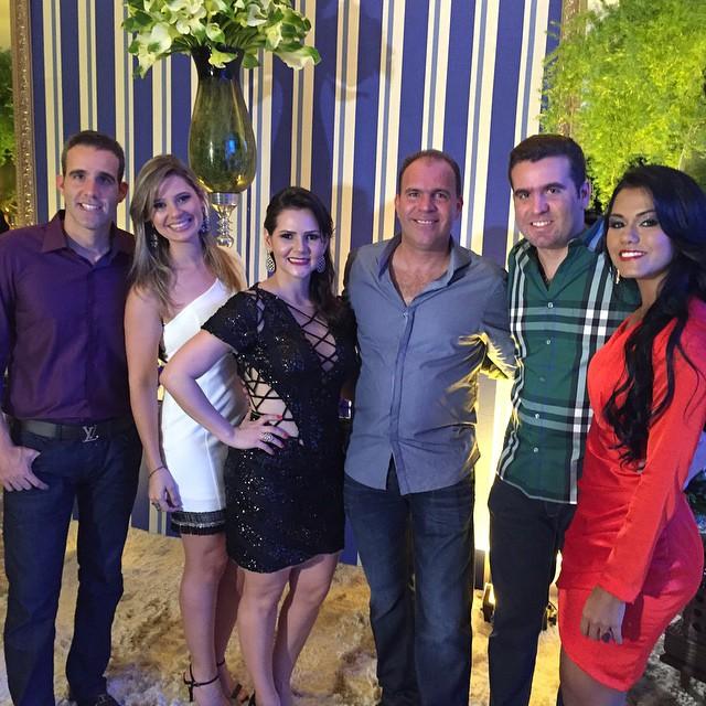 Rodrigo Mocó Bravo comemora aniversário com familiares e amigos.