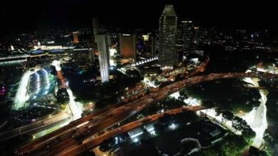 Foto de F1: Massa ultrapassa até o Alonso em Cingapura. Mas… só no videogame!