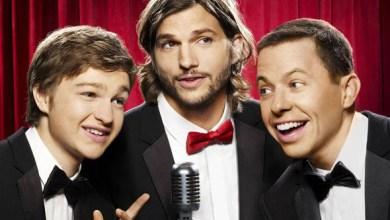 """Foto de Two and a Half Men com Ashton Kutcher: nova abertura traz um tom ainda mais """"leve"""" à série!"""