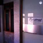 Porta de entrada - Madeira - Vidro - Alumínio