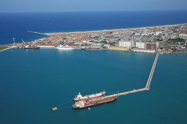 Porto do Mucuripe - Equipamentos não chegam e dragagem segue atrasada