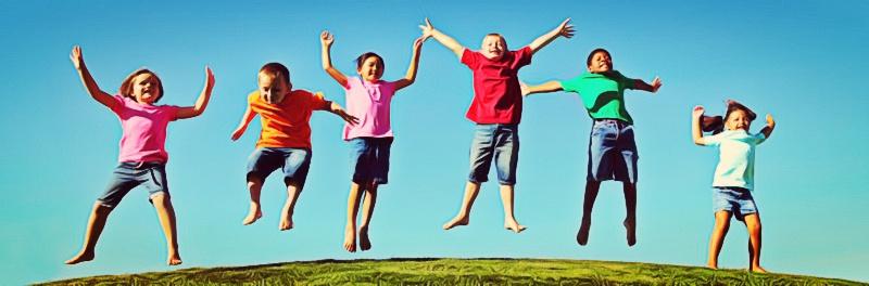 criancas felizes brincando