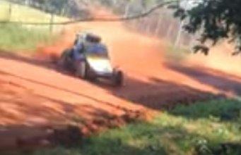 niña murió atropellada por auto de Rally