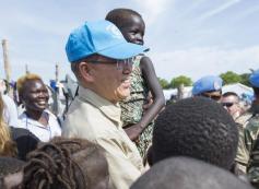 Na foto o Secretário-Geral Ban Ki-moon durante visita no Sudão do Sul (UNMISS), em Juba. (Foto: Isaac Billy/ UN (06/05/2014)