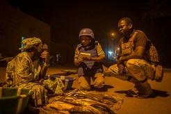 Patrulha da polícia da UNPOL em Timbuktu para garantir a população da cidade enfrentando ameaças terroristas e crime organizado que a cidade conhece. UN Photo Harandane Dicko/MINUSMA