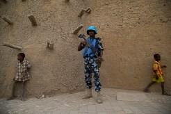 Visita ao Mali do Sr. Atul Khare, Secretário-Geral Adjunto das Nações Unidas encarregado do Apoio à Missão, com a delegação dele acompanhada por Paul Buades, Chefe DMS - MINUSMA. Foto Harandane Dicko/MINUSMA