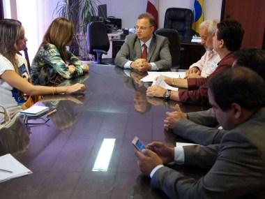 Reunião discute melhoria na prestação de serviços de saúde nos municípios