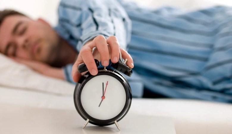 Hábitos irregulares de sono podem estar ligados ao desenvolvimento de câncer, aponta estudo