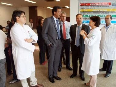 Secretário de Mato Grosso visita Hospital do Subúrbio