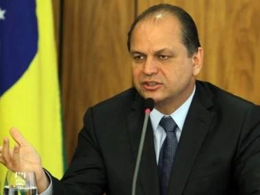 Ministro abre diálogo para saúde