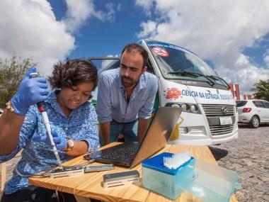 Laboratório móvel mapeia Zika