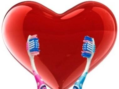 Proteja o coração escovando os dentes