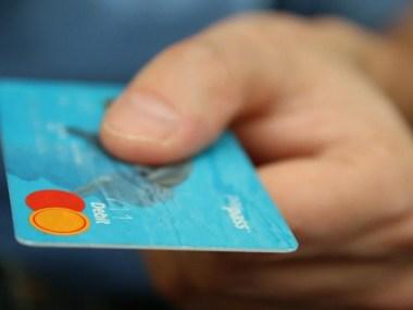 Lei publicada no Diário Oficial garante ao deficiente visual, cartão de crédito em braile