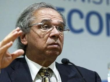 Paulo Guedes quer fim das deduções no IR e redução de alíquotas