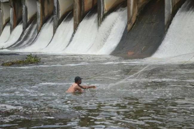 Estações de tratamento de águas nos bairros é a melhor solução