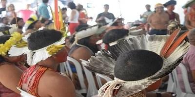 Bolsonaro veta obrigação de governo fornecer água potável, higiene e leitos hospitalares a indígenas