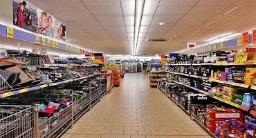 Inflação e Corte no auxílio freiam vendas nos supermercados