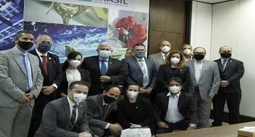 Governo de Minas Gerais e UFMG fecham parceria com MCTI para produção de vacina brasileira