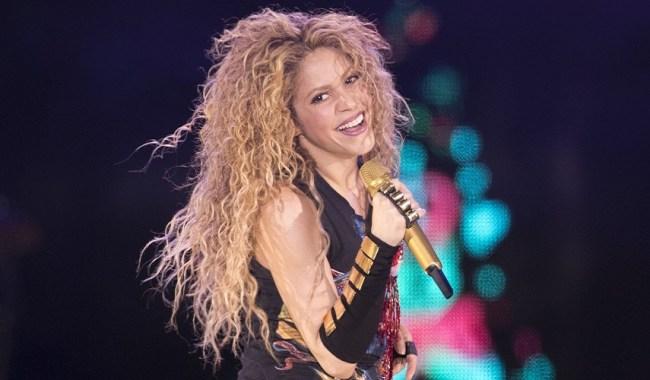 Amarillo: Shakira recebe surpresa durante show em Milão na Itália
