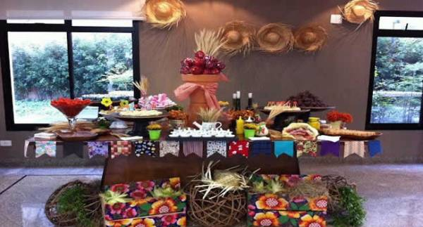 festa-junina-dicas-para-decoracao-da-mesa-completa