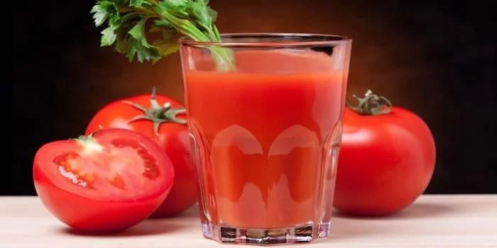 Cure a ressaca- Sucos para desintoxicar e reidratar-suco-tomate