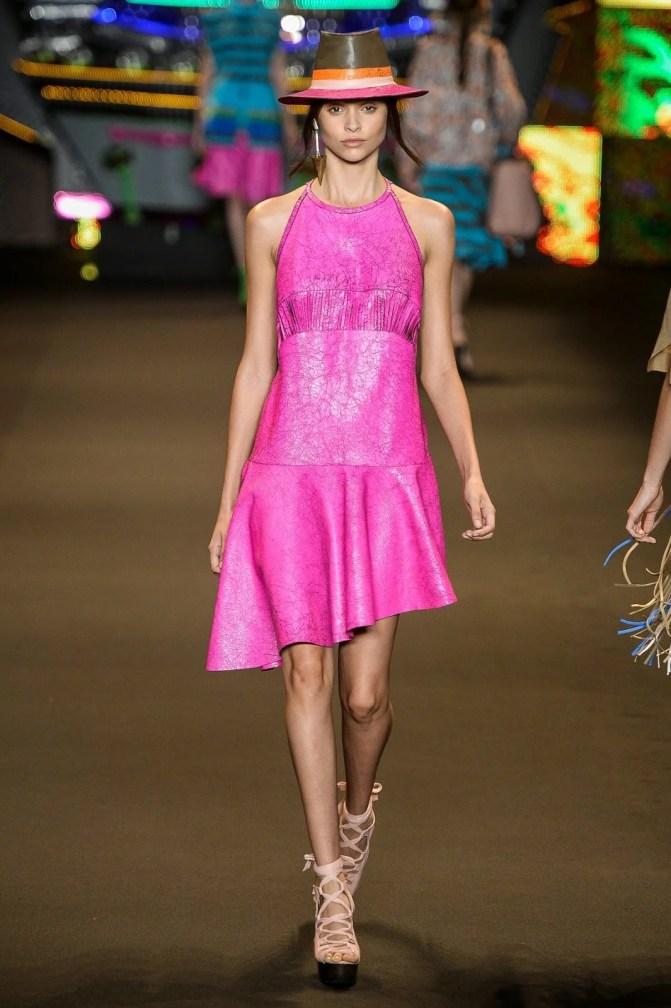 Vestido: Espaço Fashion