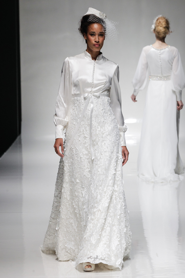 Foto; Coleção off-the-catwalk-2015-wedding-dress-trends-revealed-alan-sleeves.jpg