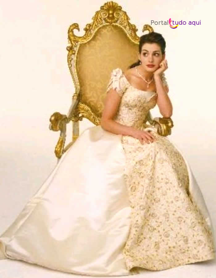 vestido-debutante-longo-modelo-princesa-saia-volumosa-branco-e-dourado