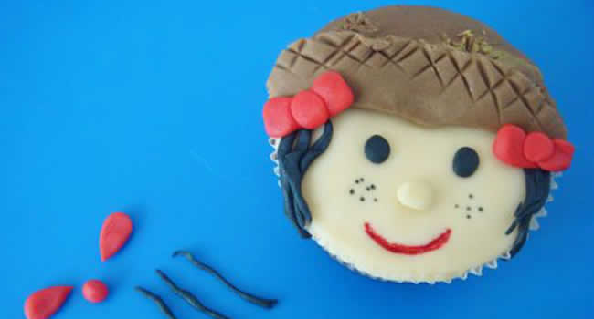 Festa-Junina-decorando-Cupcakes-com-pasta-americana-