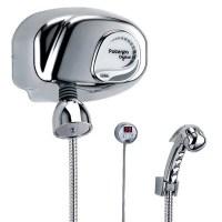 chuveiro pressurizado e com display digital para controle de temperatura.