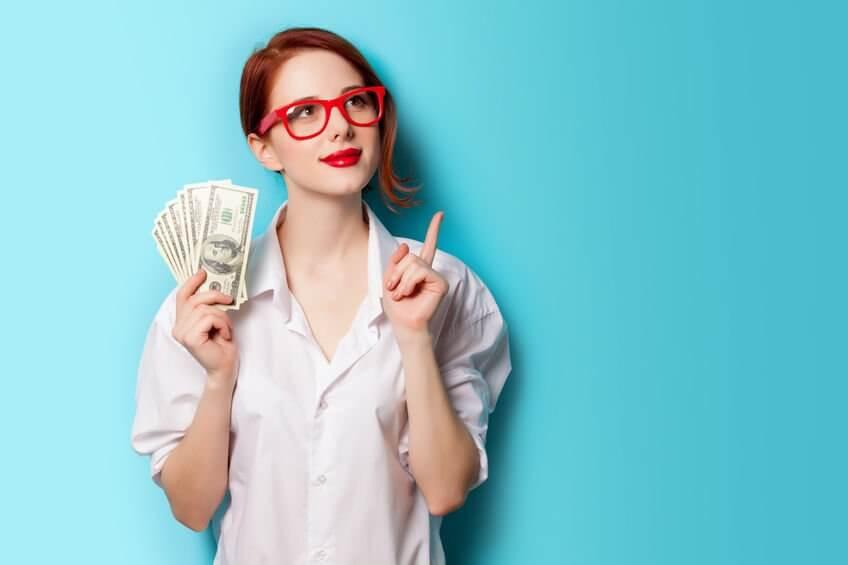 fuck you money, fuck you-money, baan opzeggen, waar doet ze het van, wdzhv, waar doen ze het van, kasboek, kasboekje, inkomsten, uitgaven, salaris, hoeveel verdienen, boodschappengeld,