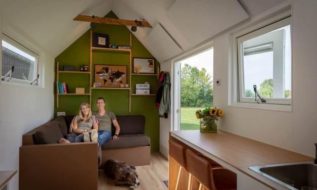 'Dankzij onze tiny house kunnen we volop sparen en reizen'