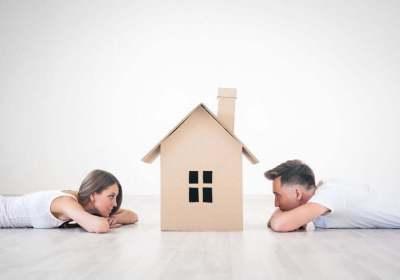 waar doet ze het van, waar doen ze het van, huis kopen, single, vrijgezel, eentje, sparen, inkomen, salaris, hypotheek