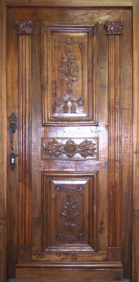 Porte Louis XVIII En Noyer Sculpte Portes Dentree