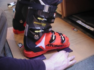 Boot-Pro-shim-under-ski-boot-to-balance