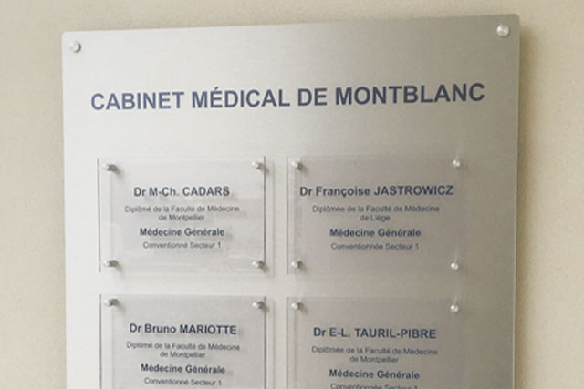 Plaques Professionnelles Cabinet Médical de Montblanc par SUDETIC