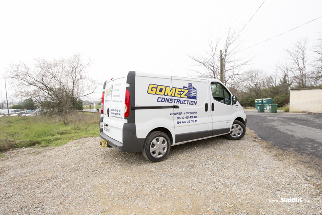 Décoration Renault Trafic Gomez Construction par SUDETIC