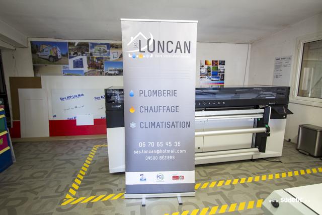 Stand Roll Up Loncan par SUDETIC
