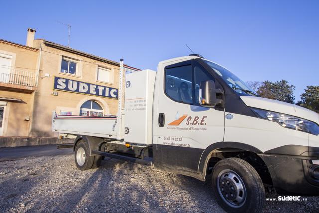 Décoration Camion Plateau SBE par SUDETIC