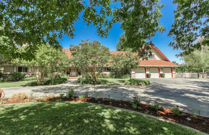 Magnificent 5BR Wine Country Estate