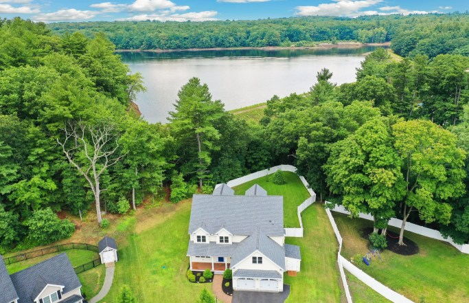 Elegant 4BR with Private Trails in Woburn