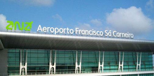 Porto Airport outside sign